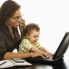 Huismoeder voelt zich jonger dan werkende vrouw